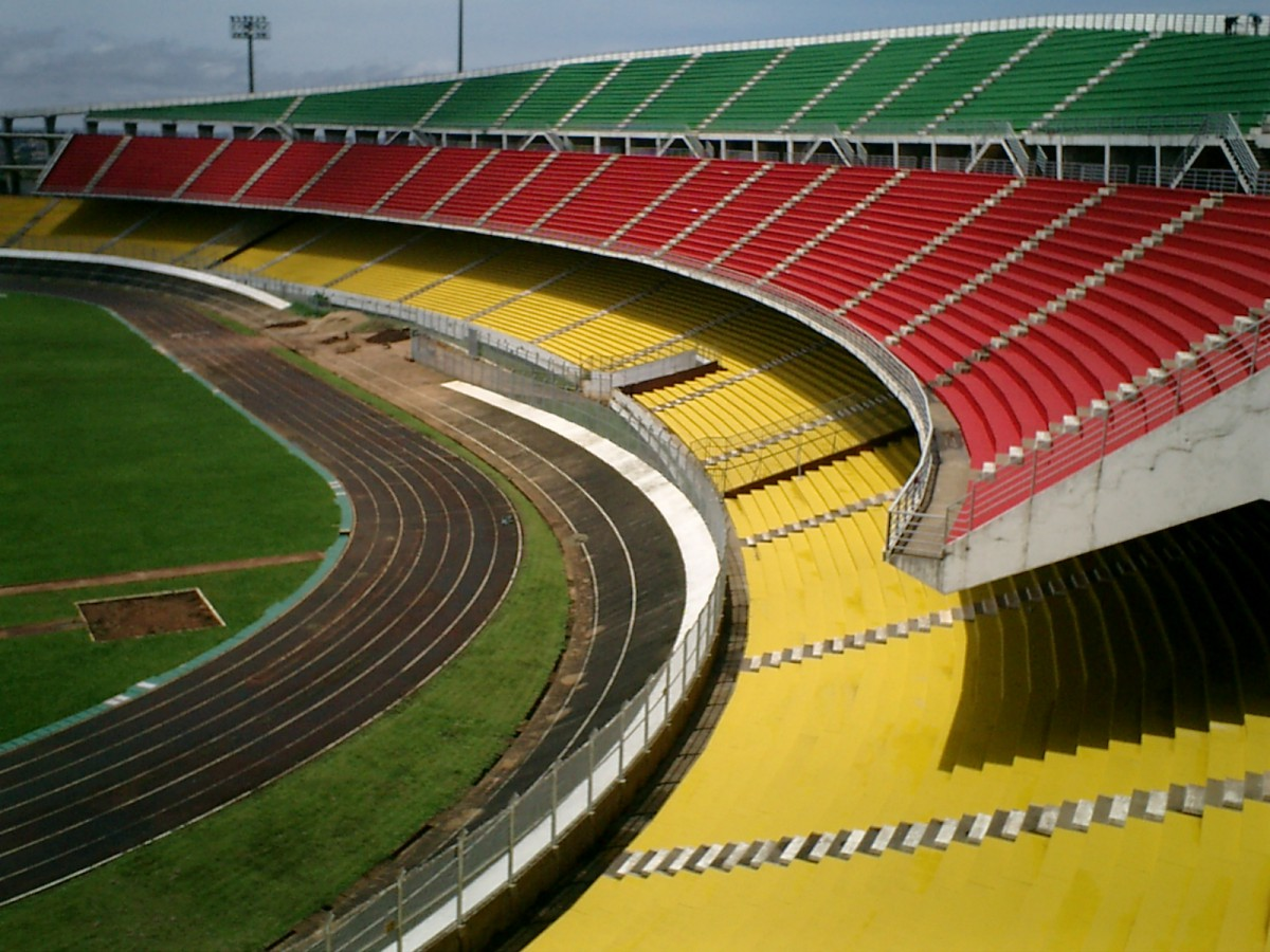 カメルーン国 国立アマドゥ・アヒジョー総合スタジアム改修