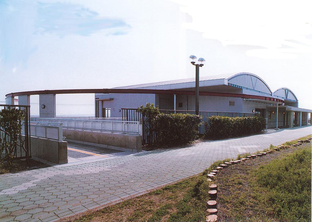 国立久里浜養護学校 生活・運動学習センター
