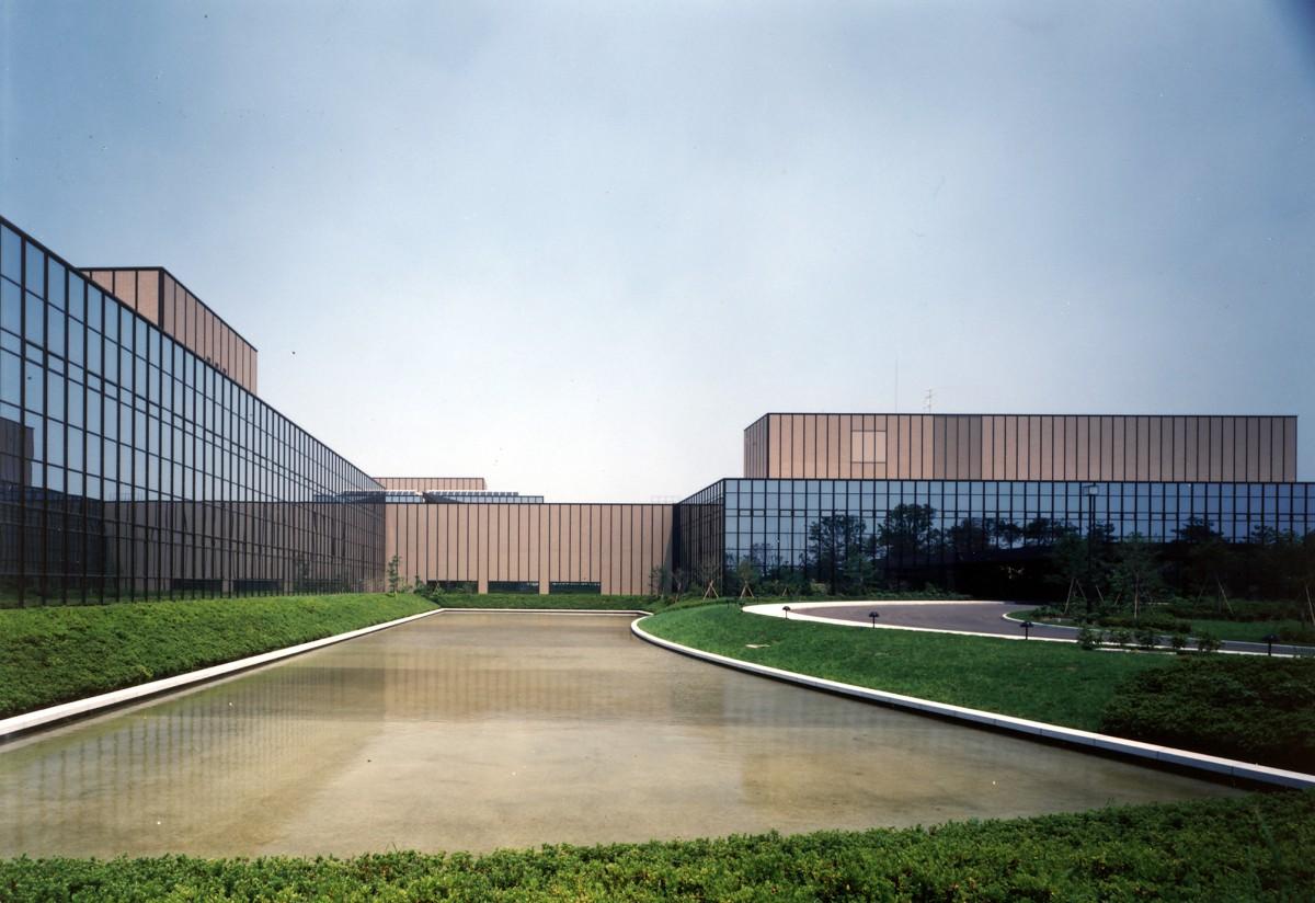 KDD小山国際通信センター