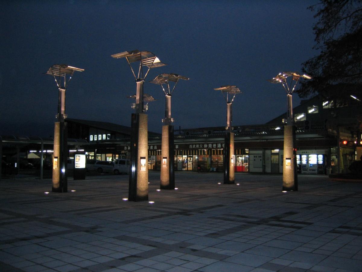 西武秩父駅前広場モニュメント